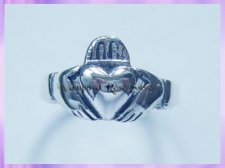 1-147-75 Claddagh Ring