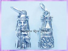 CHA72 Viking Lewis Chessmen Charm - Queen - VRS